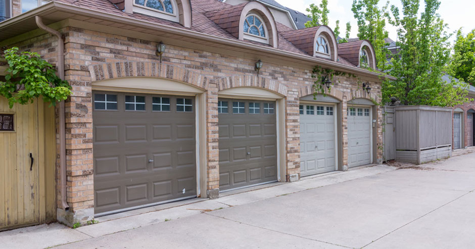 Broken garage door repair Greenwich